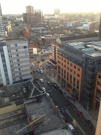 Jurys Inn Birmingham: View of Broad street from 16th floor