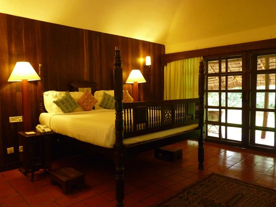 Spice Village: Deluxe cottage - chambre