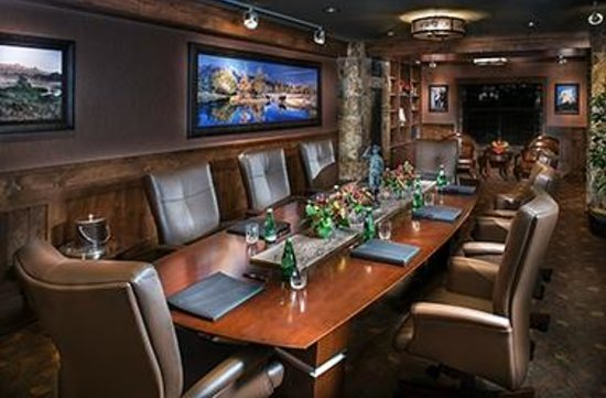 Wyoming Inn of Jackson Hole: Executive Boardroom designed from your perspective