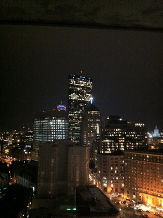 Revere Hotel Boston Common: Vue de la chambre king size du 23 ème