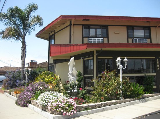 Red Roof Inn Monterey: Exterior 2