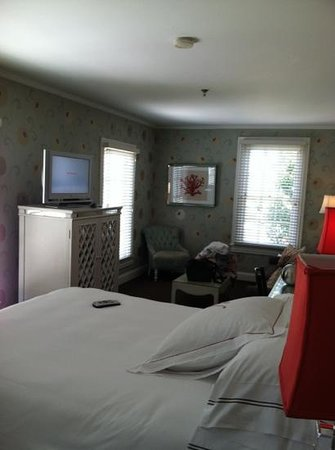 The Virginia Hotel: corner room