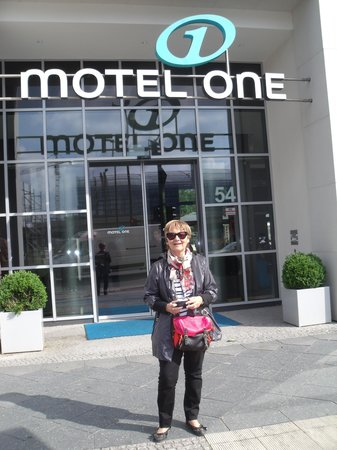 Motel One Berlin - Alexanderplatz: anadoloresargentina