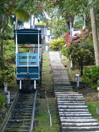 Oasis Marigot : Funicular to get to the rooms