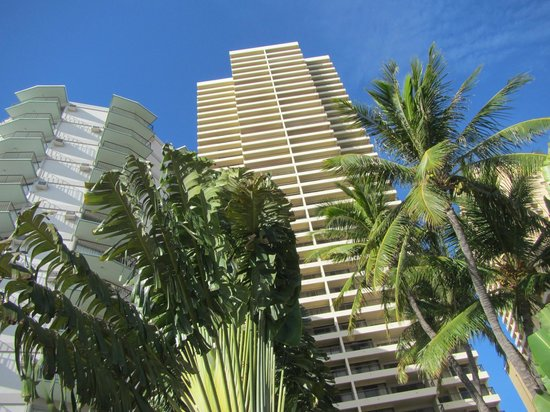 Aston Waikiki Beach Tower: 建物