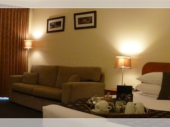 Coleambally hotels