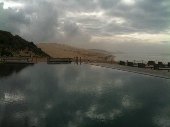 piscine vue dune du pyla photo de la corniche la co o rniche pyla sur mer tripadvisor. Black Bedroom Furniture Sets. Home Design Ideas