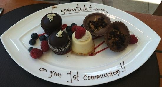 East Palo Alto, : Delicious Complimentary Desserts!