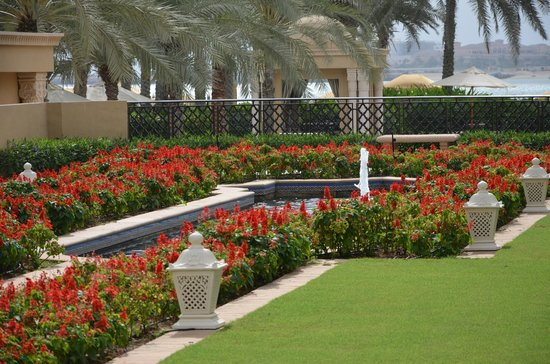 Residence&amp;Spa at One&amp;Only Royal Mirage Dubai : jardin 