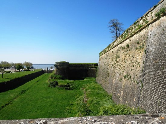 Blaye, : Cidadelle from the outside