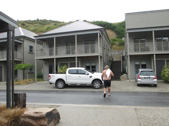 Benbrae - Cardrona Valley Resort: Our luxurious apartment, downstairs.