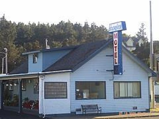 Shoreline Motel