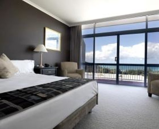 Photo of Opal Cove Resort (oceanside) Surfers Paradise