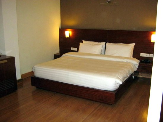 Suhim Portico: Super Deluxe Room - Twin sharing