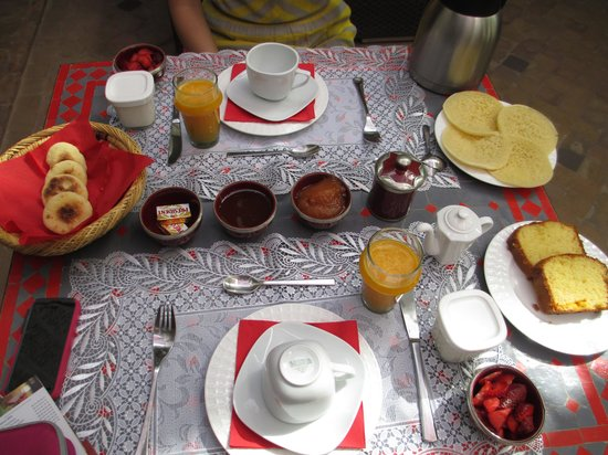 Riad Badi: Breakfast spread