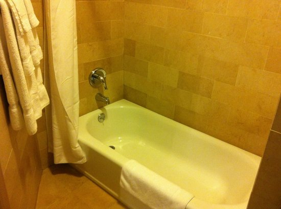 Seton Hotel: Nice Clean Bathroom With Plenty Of Hot Water