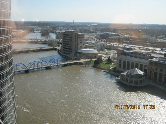 Amway Grand Plaza Hotel: view from room on 20th floor