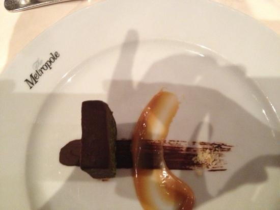 Metropole Hotel: chocolate pud!