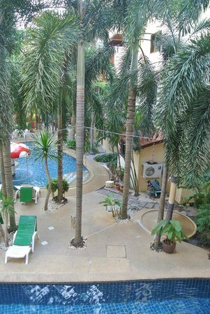 Baumanburi Hotel: Pool