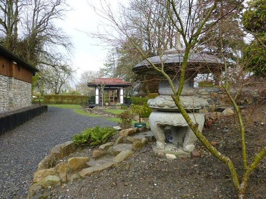 Longford, Irlandia: Japanese part of large grounds.