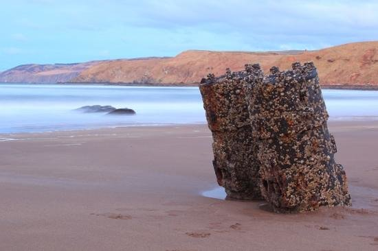 Borders, UK : Shipwreck at Pease Bay