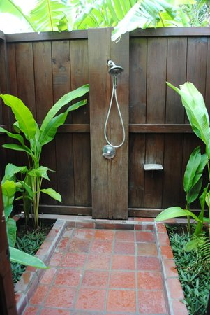 Stonefield Estate Resort : Outdoor Shower