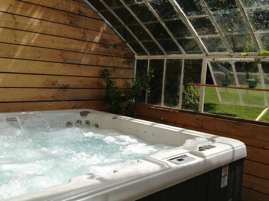 Evreux, France: spa/Jacuzzi