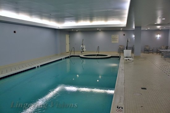 Stonewall Jackson Hotel and Conference Center: Indoor pool