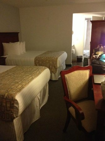 Porto Vista Hotel: The 1st room before we switched. The 2nd room was similar except a bit bigger, fridge &amp; micro
