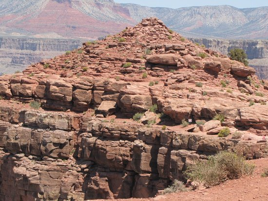 The Carriage House: stunning rock formation in Grand Canyon west rim