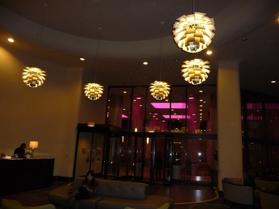 Doubletree by Hilton Chicago Magnificent Mile: Hotel Lobby