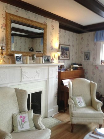 Belgravia Bed &amp; Breakfast: Sitting room
