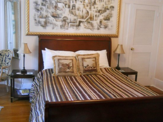Cook Mansion Bed and Breakfast: Jerusalem Room
