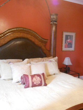 Montour Falls, NY: The Sintra Room