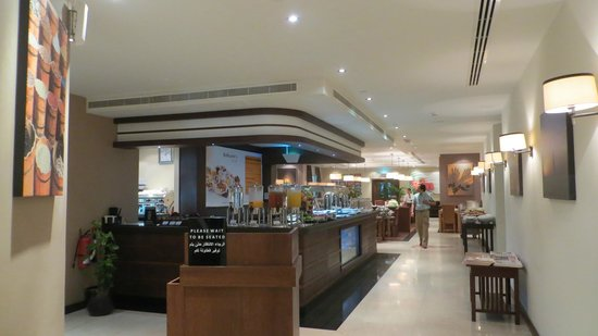 Premier Inn Dubai International Airport: Looking into the dining area