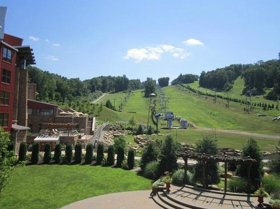 Bear Creek Mountain Resort: View from the balcony of the ballroom