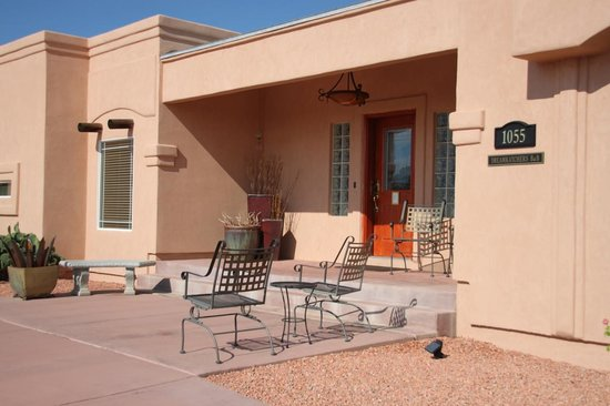 Dreamkatchers Lake Powell Bed &amp; Breakfast : Front Door 
