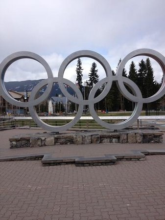 Fairmont Chateau Whistler Resort: Olympic Rings
