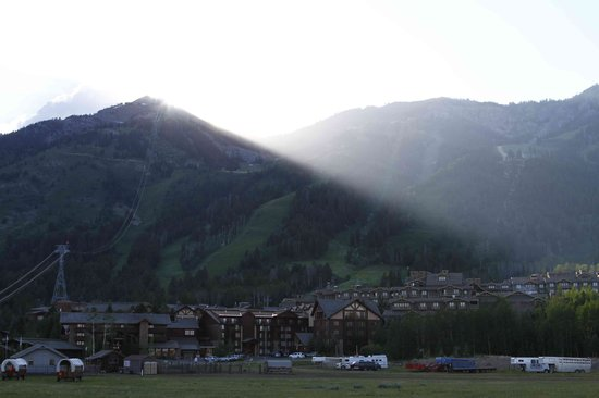 Jackson Hole Resort Lodging: Looking at the hotel and mountians
