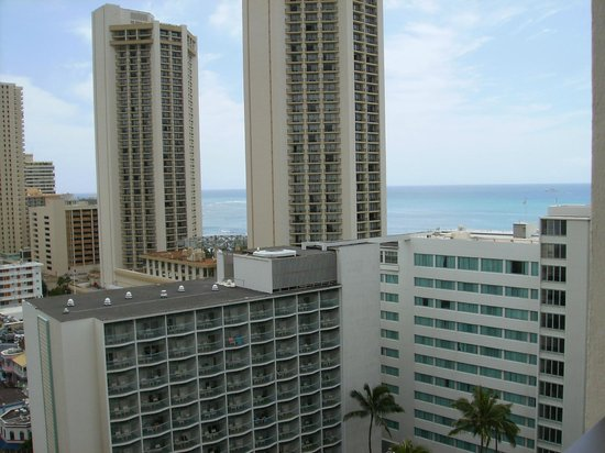 Miramar At Waikiki: Partial sea view