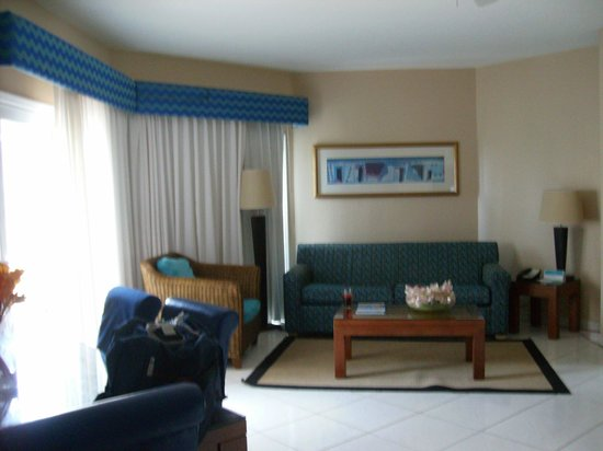 Divi Aruba Phoenix Beach Resort : one bedroom apartment