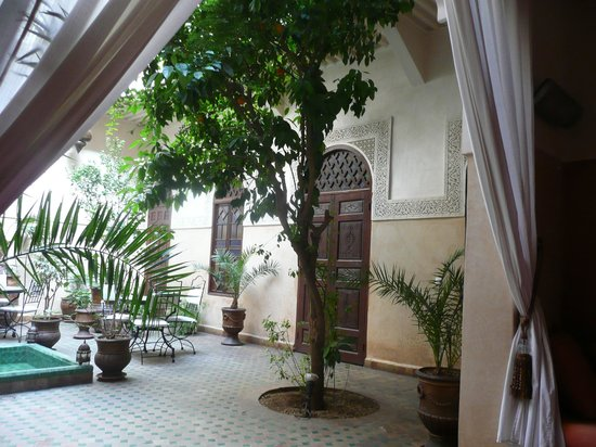 reception area of riad massiba