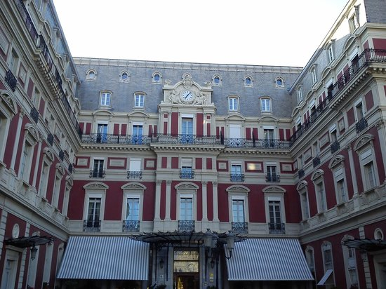 Hotel du Palais: main entrance