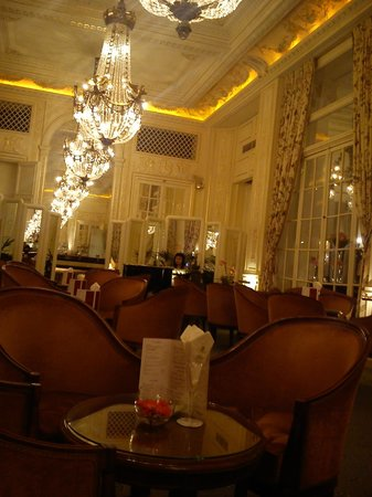 Hotel du Palais: this is the hotel&#39;s bar area