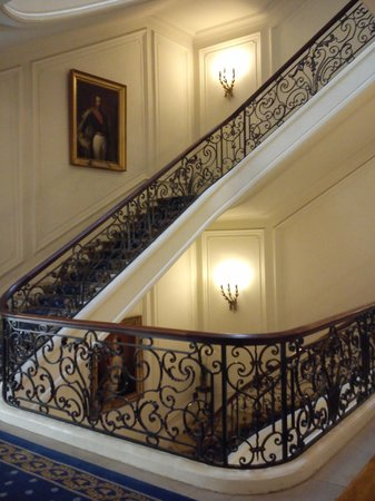 Hotel du Palais : main stairs, with a painting of napoleon III 