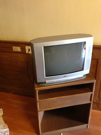 Hotel Darshan: Broken TV and a age-old remote