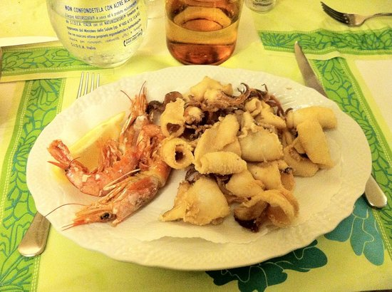 Marina di Cecina, : Frittura di calamari e gamberi x1