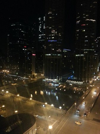 theWit, a Doubletree Hotel: Room 1518 Night View