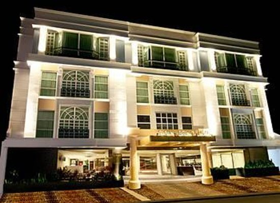 Photo of Crown Regency Hotel Makati