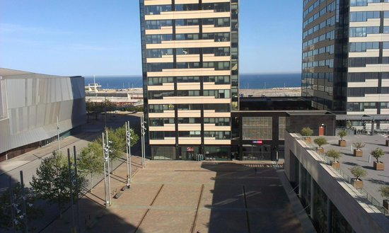 Hilton Diagonal Mar Barcelona: View from room (5th floor)